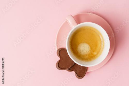 Obraz coffee with chocolate hearts - fototapety do salonu