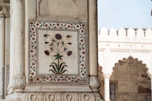 Fényképezés Inlaid marble inside of columns with arches at the Hall of Private Audience or D