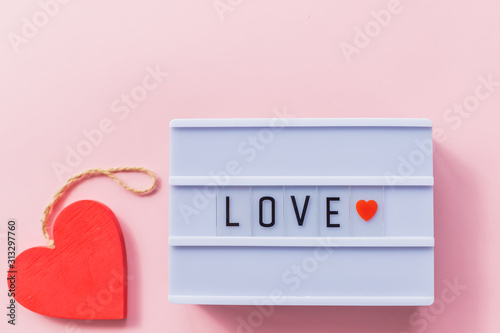 Photo Happy Valentines Day light box message with red heart