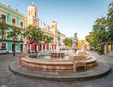 Plaza De Armas, Town Square With Fountain In The City Centre Of Old San Juan, Puerto Rico.