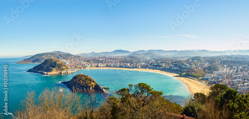 Photo Panoramic view of the Concha Bay