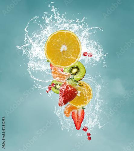 Fototapeta owoce w wodzie   swieze-owoce-na-diecie-witaminowej