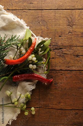Peperoncini con vischio ft0201_2664 Chiles con muérdago Chilischoten mit Mistel Canvas Print