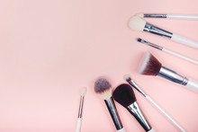 Set Makeup Brushes On Pink Col...