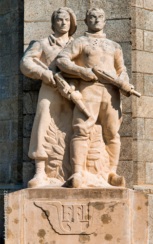 Statues du monument aux Maquis du mont Mouchet, France Canvas Print