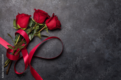 Obraz Valentines day card with rose flower bouquet - fototapety do salonu