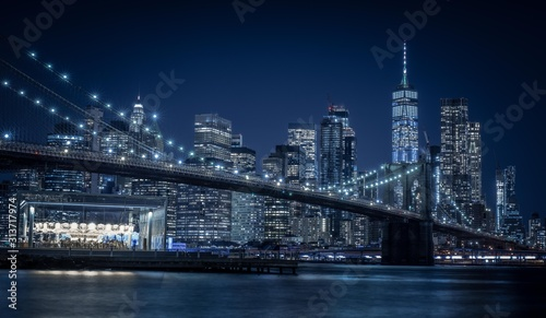 Fototapety, obrazy: brooklyn manhattan bridge night blue city night water sea new york city buildings skyscraper urban lighting prints
