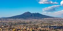 Houses Lived Near The Volcano Vesuvius