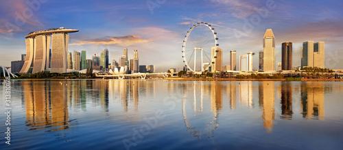 Obrazy Singapur  singapur-panorame-panoramy-o-wschodzie-slonca-zatoka-marina-z-drapaczami-chmur