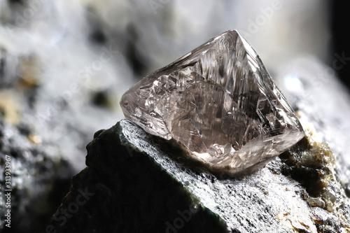 Fototapeta Diament  natural-diamond-nestled-in-kimberlite