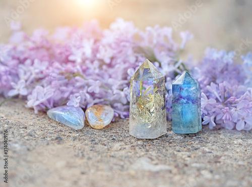 Valokuva fluorite, citrine, quartz and lilac flower
