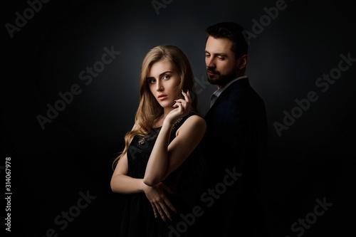 Obraz na płótnie elegant couple on black background