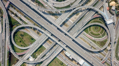 Photo Aerial view highway traffic