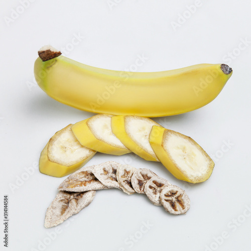 dried banana and ripe chopped fruit