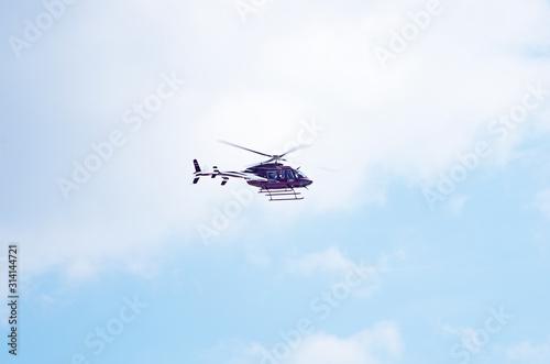 Valokuvatapetti Helikopter bordowy