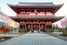 Sensoji Temple Gate With Cherry Blossom Tree During Spring Season In Morning At Asakusa District In Tokyo, Japan. Japan Tourism, History Building, Or Tradition Culture And Travel Concept.