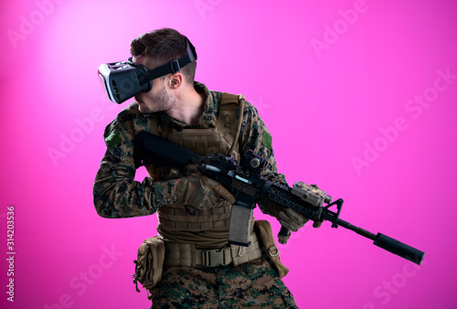 canvas print motiv - .shock : soldier in battle using virtual reality glasses
