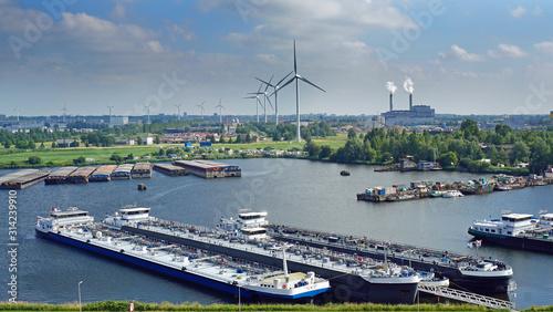 Cuadros en Lienzo Dutch waterway , barges and factories