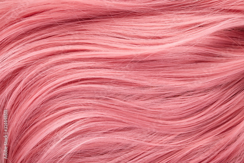 Fotografía Close up view of colored pink hair