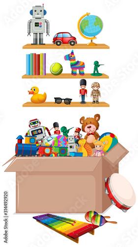 Półka i pudełko pełno zabawki na białym tle