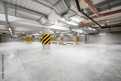 Obraz parking podziemny, garaż na samochód pod ziemią - fototapety do salonu