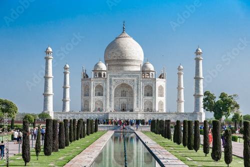 taj-mahal-bialy-marmurowy-budynek-meczetu-agra-indie