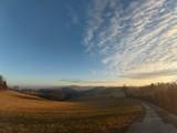 Fototapeta Sawanna - Weg in den Sonnenuntergang