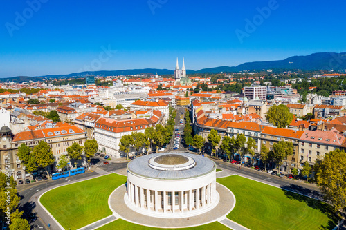 Foto Zagreb, capital of Croatia, city center aerial from drone, art gallery and cathe