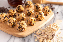 Peanut Butter And Oatmeal Energy Balls With Chocolate Chips Sweetened With Honey