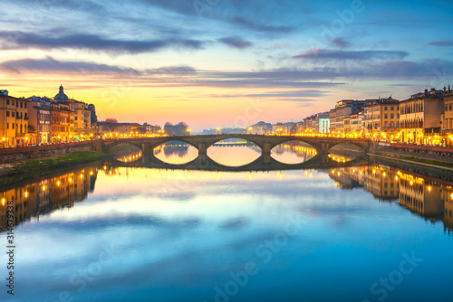 Carraia medieval Bridge on Arno river at sunset. Florence Italy Fototapete