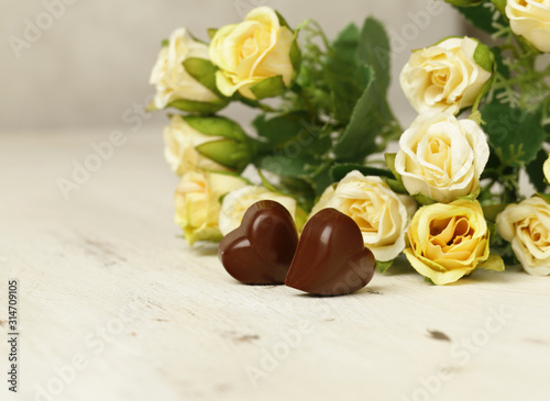 Obraz chocolate praline candy hearts for valentines day - fototapety do salonu