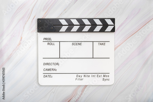 Fotomural Flat lay of white clapboard on marble background