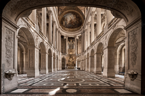 interior of the cathedral of paris Slika na platnu