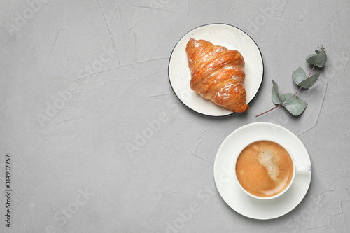 Photo Tasty breakfast served on light grey table, flat lay