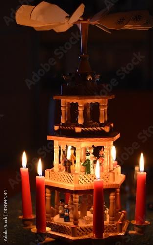 Obraz : Boże Narodzenie piramida - fototapety do salonu