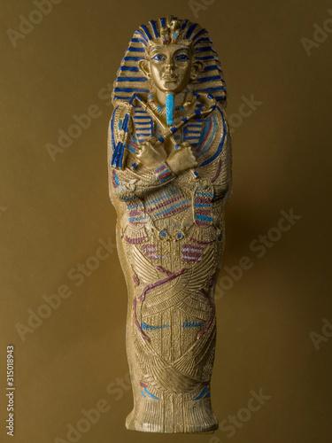 Fototapeta Figure representing the sarcophagus of Tutankhamun,