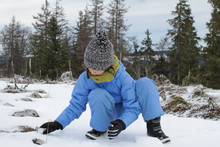 Young Winter Child Experiencin...