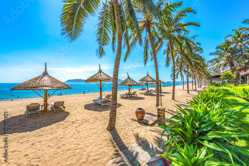 Fototapeta lato   beautiful-scenery-of-nha-trang-a-tropical-coastal-vacation-paradise-in-vietnam-southeast-asia