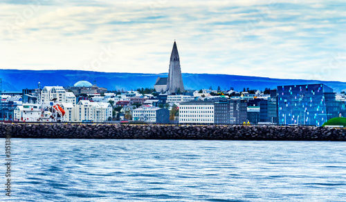 Ocean Breakwater Cityscape Hallgrimskirkja Church Reykjavik Iceland Tablou Canvas