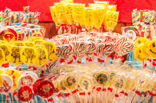 Many Colored Lollipops, Round ...