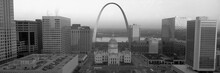 Courthouse & Memorial Arch, St...