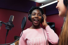 Teenage Girl Musicians Recordi...