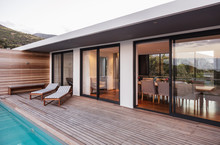 Modern, Luxury Home Showcase E...