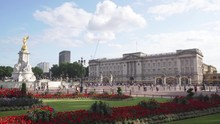 Buckingham Palace In London Wi...