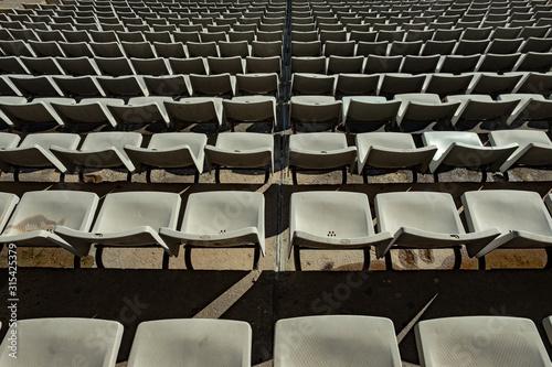 Photo Textura con filas de asientos en estadio de futbol