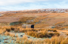 Shepherd's Hut In Remote And I...