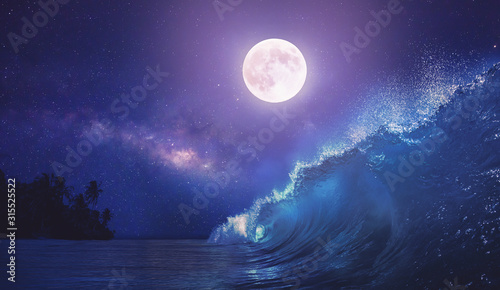 Cuadros en Lienzo Beautiful night ocean scenery with surfing wave and full moon on tropical backgr