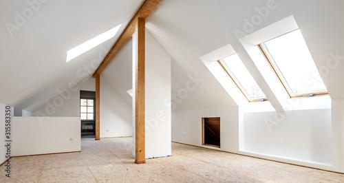 Obraz na plátně Do it yourself, Ausbau eines Dachbodens zum Wohnraum