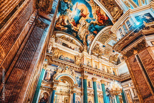 Leinwand Poster  Inside Saint Isaac's Cathedral- greatest architectural creation