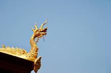 Travelling Laos, Temple Gold D...